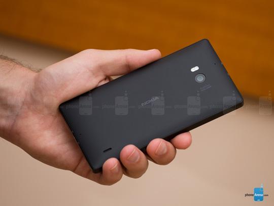 Nokia-Lumia-930-Review-002