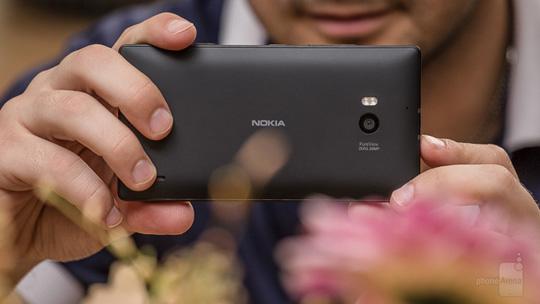 Nokia-Lumia-930-Review-TI