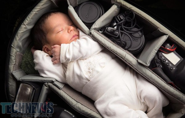 Photo of پرترههایی از نوزادان، اینبار در درون کیف دوربین عکاسی!