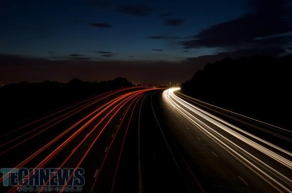 شارژ شدن خودروها در خیابان های انگلستان