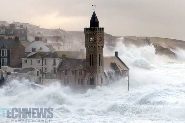 Porthleven Storm by Lloyd W.A. Cosway [DEVONshots.com] on 500px.com