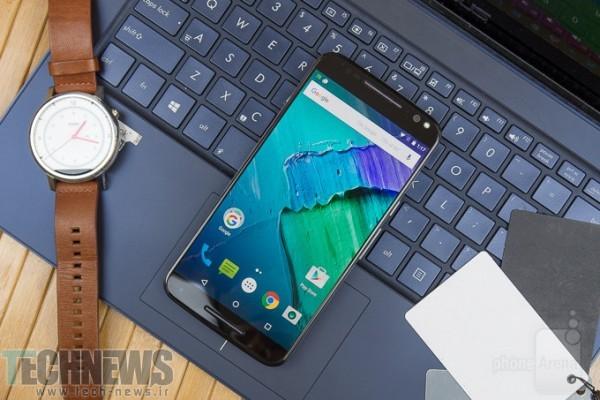 Motorola-Moto-X-Pure-Edition---715-nits