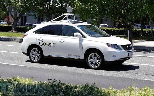 گوگل حالا خودروهای خودران را در شرایط جوی نامناسب امتحان میکند