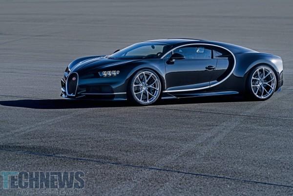 Bugatti-Chiron-Driving-Shots-7