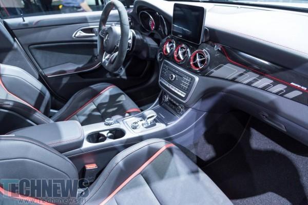 Mercedes-AMG-CLA-45-51
