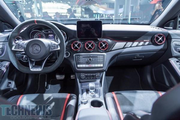 Mercedes-AMG-CLA-45-61