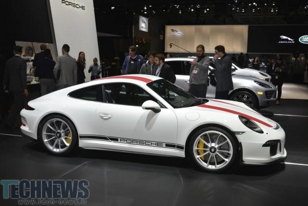 Porsche-911-R-31