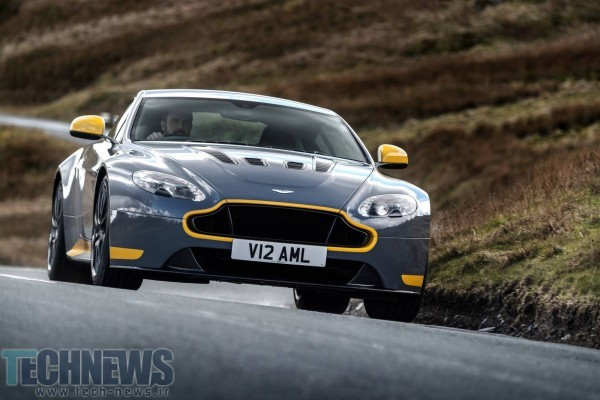 Aston-Martin-V12-Vantage-S-19