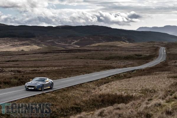 Aston-Martin-V12-Vantage-S-31