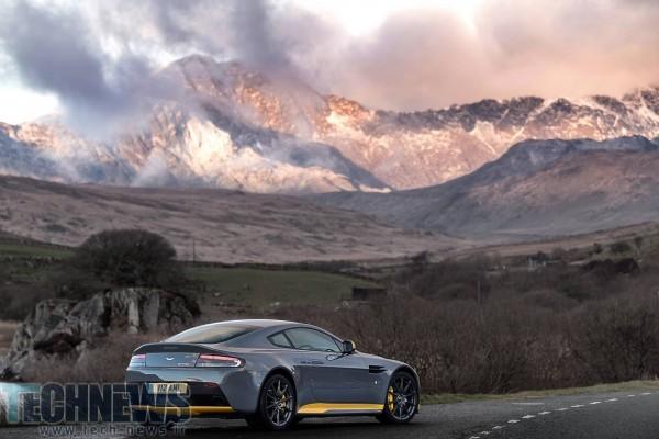 Aston-Martin-V12-Vantage-S-32
