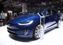 Tesla-Model-X-at-Geneva-Motor-Show-201614