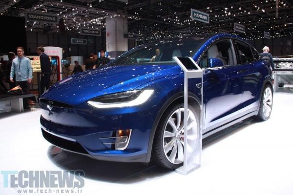 Tesla-Model-X-at-Geneva-Motor-Show-201614