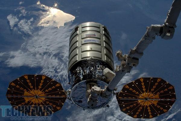 Photo of ناسا بزرگترین آزمایش آتش در فضا را انجام میدهد