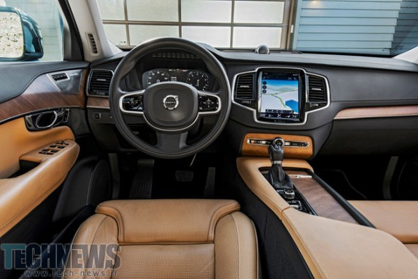 2016-Volvo-XC90-T6-AWD-Inscription-cockpit