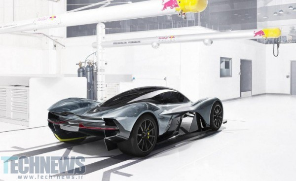 Aston-Martin-Red-Bull-3-696x426