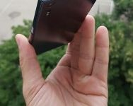 Sony Xperia F8331  (1)