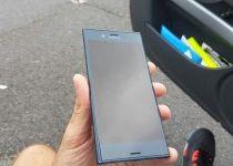Sony Xperia F8331  (5)