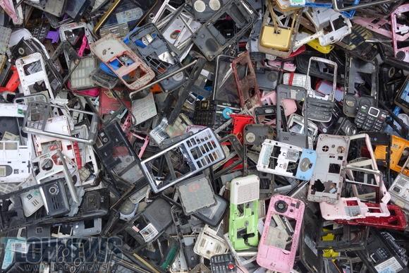Photo of محققان IBM روشی برای بازیافت گوشیهای قدیمی و تبدیل به پلاستیک بهداشتی کشف کردند