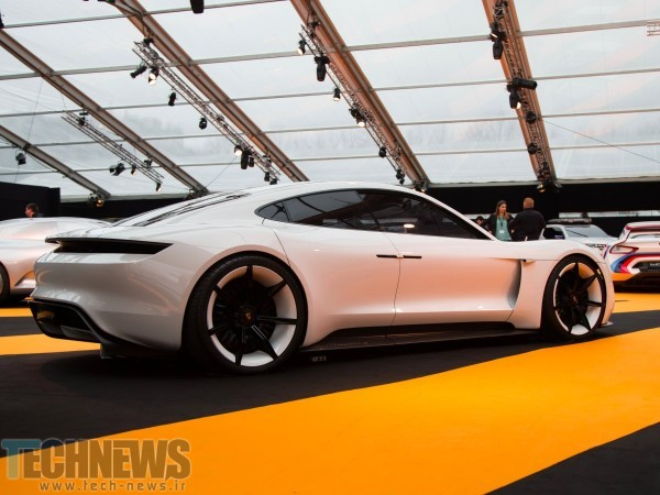 porsche-plans-to-begin-making-its-mission-e-concept-by-2020