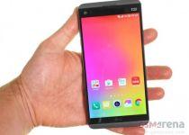 در دست گرفتن گوشی LG V20
