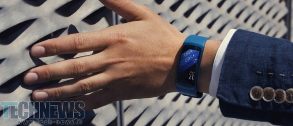 "Photo of مچبند هوشمند سامسونگ با نام تجاری ""Gear Fit Pro"" به بازار میآید"