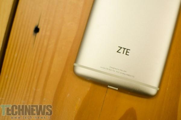 Photo of اولین گوشی هوشمند با سرعت دانلود 1 گیگابیت بر ثانیه از سوی ZTE معرفی شد