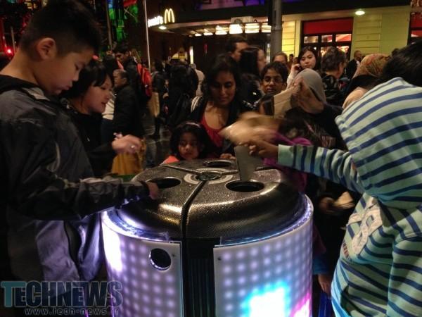 Photo of این سطل زباله هوشمند میتواند آشغال را به بازی تبدیل کند