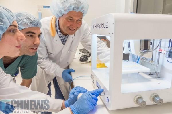 Photo of محققان با استفاده از پرینت زیستی سهبعدی موفق به کشت سلولهای غضروف انسانی در موشهای نوزاد شدند