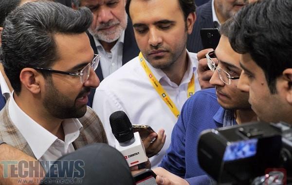 آذری جهرمی : فیلترینگ اینستاگرام راه حلی برای فرهنگ سازی مردم در شبکه های اجتماعی نیست