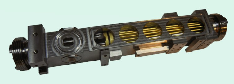 تصویر:شماتیکی از ساعت اتمی فضای عمیق.