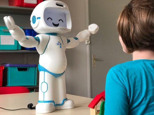درمان بیش فعالی با استفاده از ربات ها