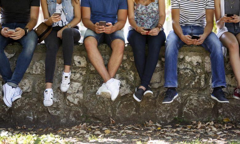 استفاده از تلفن همراه و ایجاد اضطراب در نوجوانان