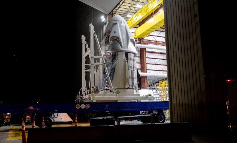 اسپیس ایکس تصاویری از موشک فالکون 9 بر روی سکوی پرتاب منتشر کرده است