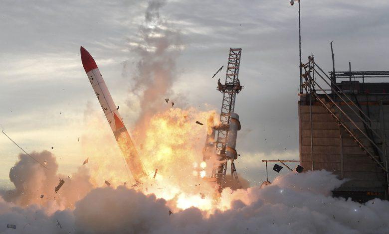 راکت ژاپنی پس از پرتاب به دریا سقوط کرد