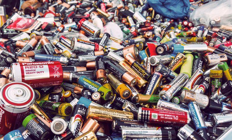 تبدیل باتری های کهنه به کود و نجات طبیعت