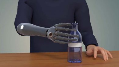 Photo of طراحی نوعی دست مصنوعی که می تواند به رایانه و گوشی هوشمند متصل شود