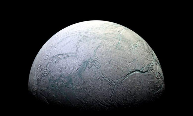 دانشمندان میگویند اقیانوس داخلی قمر اروپا میتواند مکانی برای حیات فرازمینی باشد