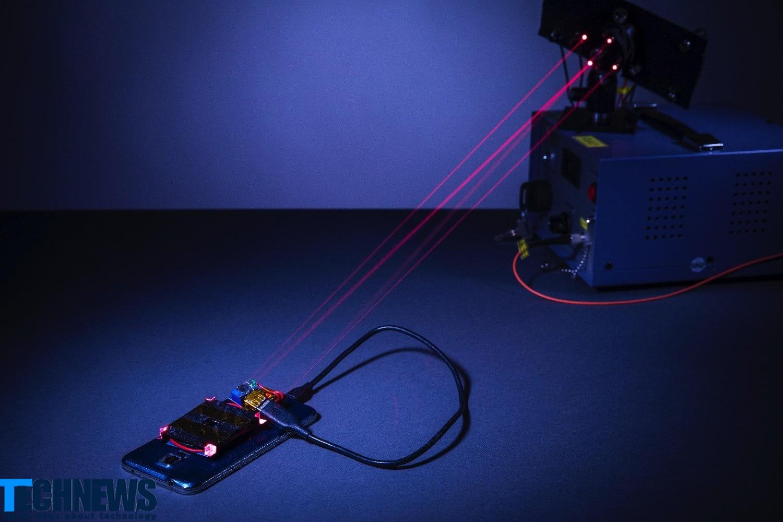 ابداع فناوری شارژ تلفن همراه از راه دور با کمک ضدلیزر