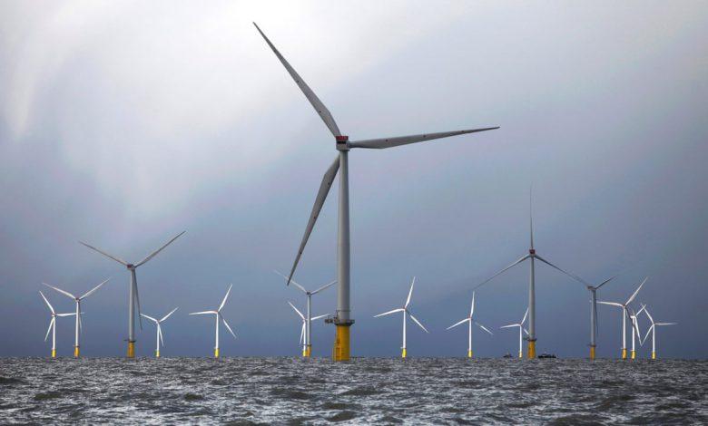 توربین های بادی در انگلستان توانستند نیمی از برق این کشور را تامین کنند