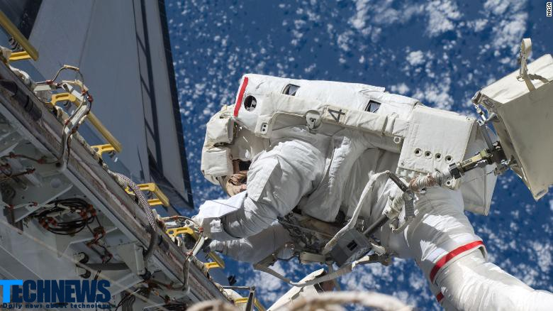 پیادهروی فضایی را در زمین تجربه کنید!