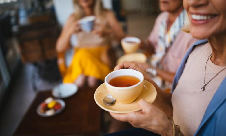 نوشیدن چای به افزایش عملکرد مغز در کارهای پیچیده کمک می کند